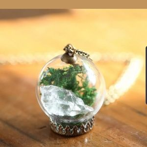 Jewelry - ♡2/$7 or 4/$10♡ Crystal Terrarium Necklace